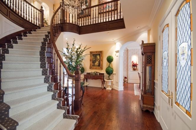 staircase-nuns-manor