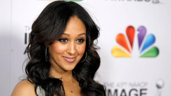 tamera-mowry-black-hair